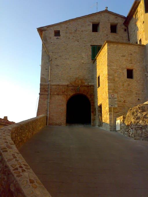 Ingresso a castello