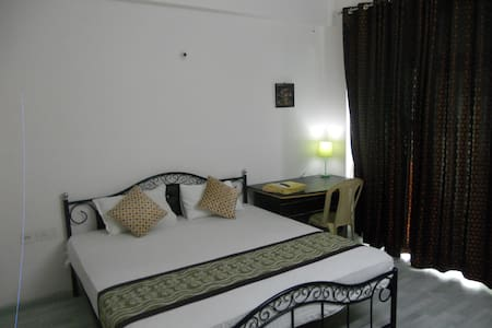 ONE ROOM FURNISHED APARTMENT