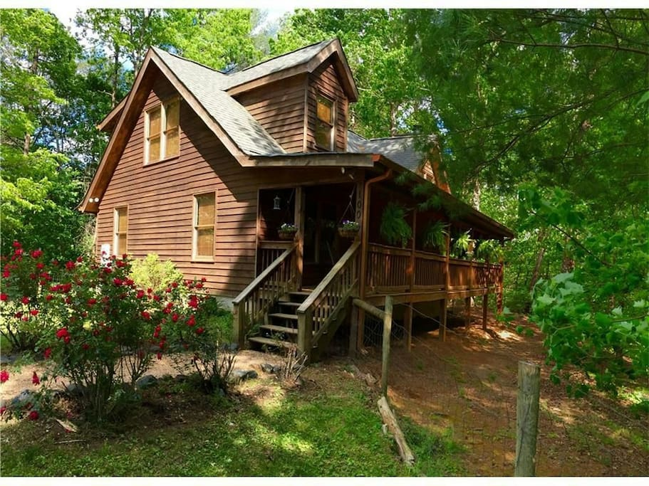Cozy cabin 3br 2ba with firepit cabins for rent in for Dahlonega ga cabins for rent