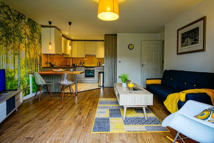 Amazing 5* 2-Bed Apartment in Manchester