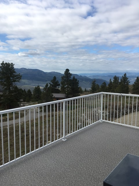 Lofty Heights Retreat