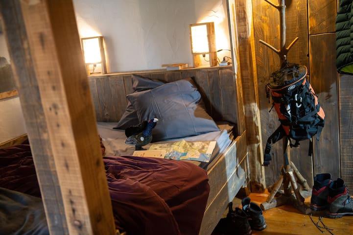 Chambre cabane, lit 160x200cm
