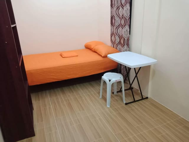 Spacious aircon room in downtown w/ free wifi #3
