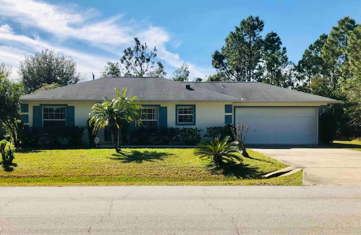 The Doll House + Pet Friendly + Close to the Beach