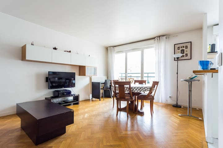 Comfortable flat with parking and balcony