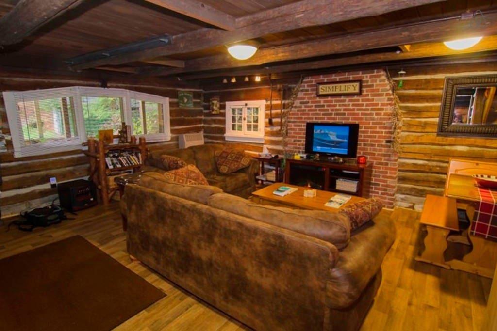 Cozy, Comfey Cabin