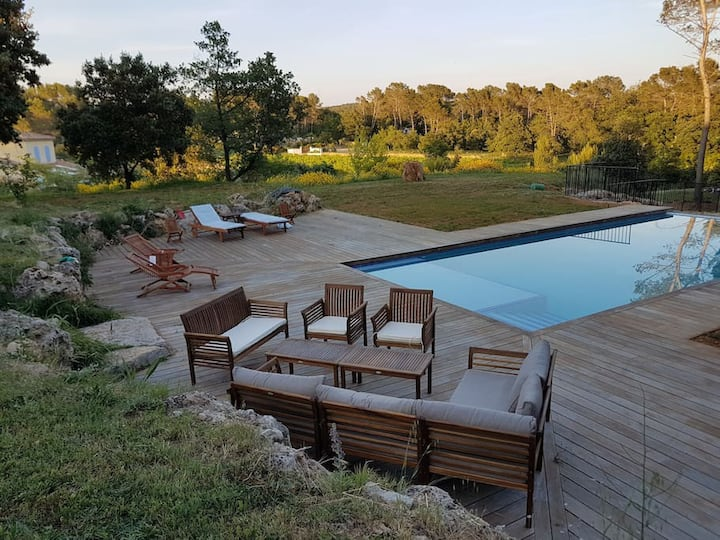 Villa YAKA, location chambres, B&B, table d'hôte.