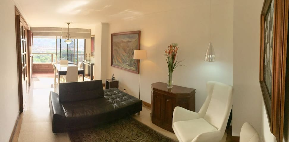 Beautiful and Practical Apartment in El Poblado! - Medellín - Daire