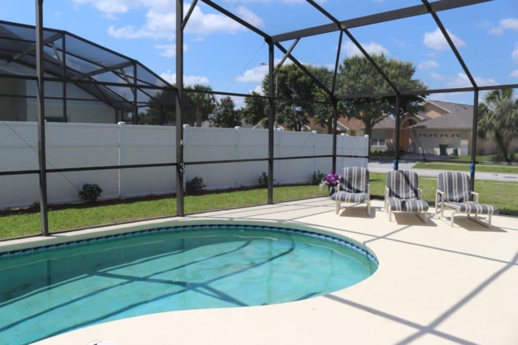 Pool, Resort, Swimming Pool, Water, Furniture