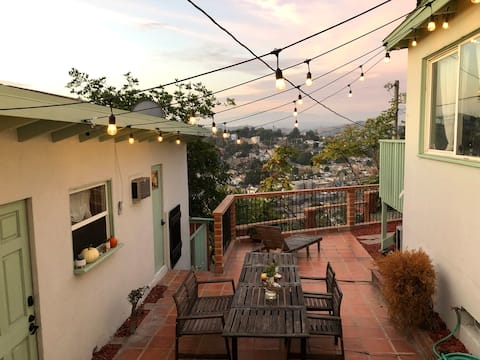 Dreamy Hillside Studio 8 minutes from DTLA