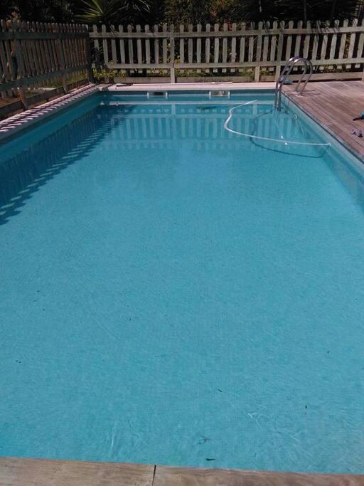 Casa con piscina al campo maisons louer amposta for Piscina alcampo