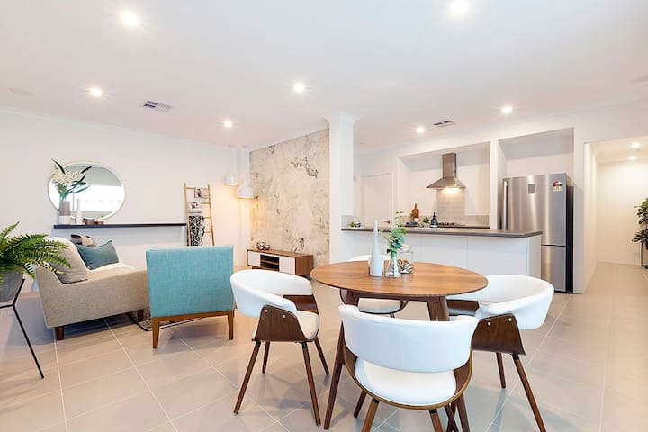 Kwinana Town Center Builders Display Home