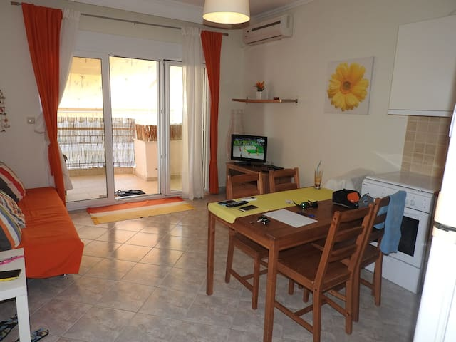 R30 Lovely apartment in the center of N.Potidaia. - Nea Poteidaia - Appartement