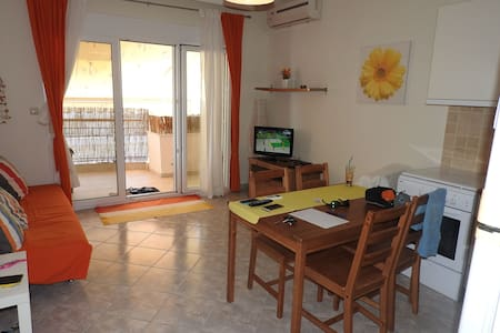 R30 Lovely apartment in the center of N.Potidaia. - Nea Poteidaia - Byt