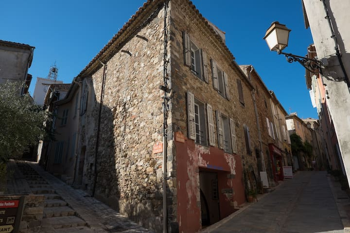 Town House - Historic Center - Grimaud - Casa