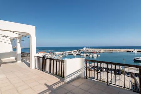 SEA VIEW FRONT RAW 2 B/R APART. ZYGI, LARNACA. - Larnaca - Apartamento