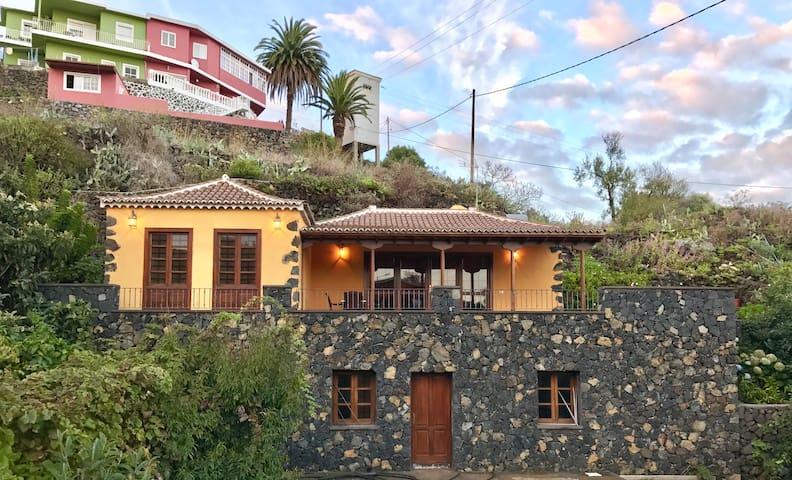 RUSTIKALES HAUS LA MONTAÑA - Breña Baja