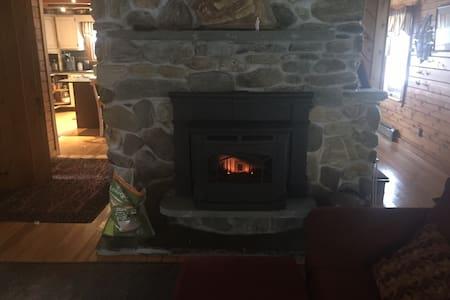 Vermont log Cabin - Johnson - Casa
