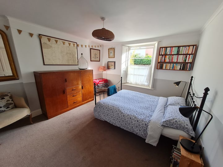 Central Bristol - A lovely, homely garden flat