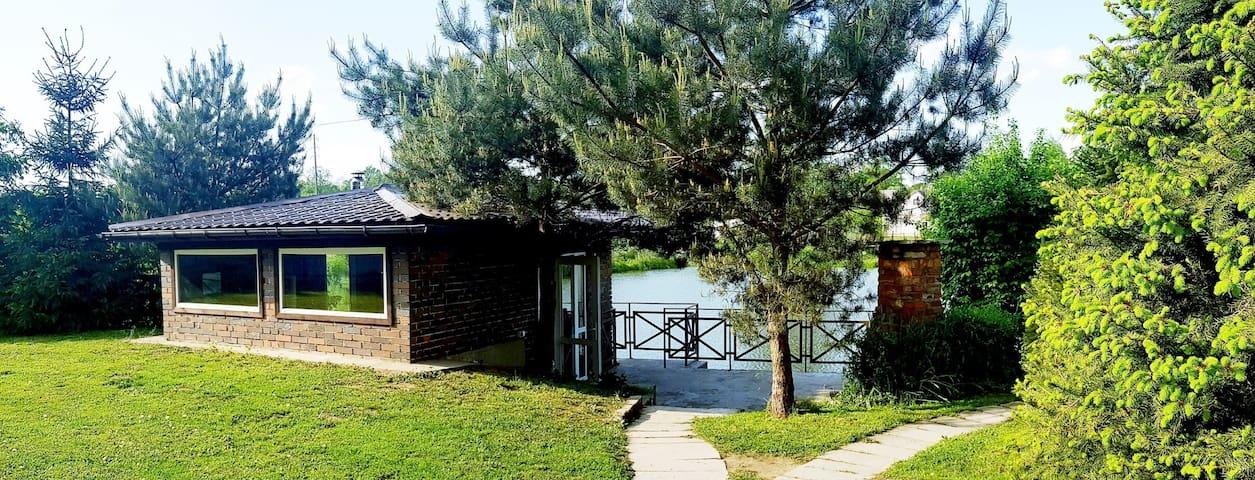 Дом на берегу озера, с собственным пляжем
