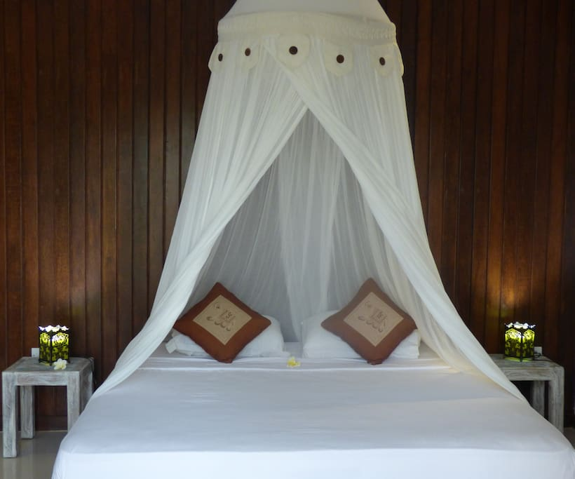 180x200 bed with springbed matress