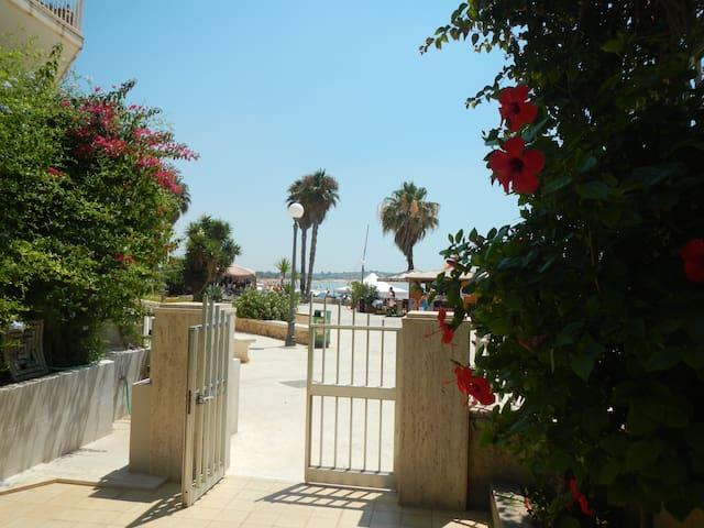 Apartment sea side Sampieri