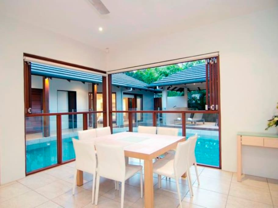 Holiday In Style Alcove Sands WIFI Houses For Rent In Port Douglas