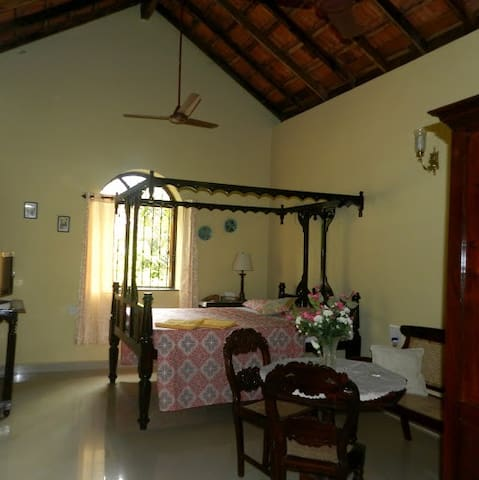 'Maracuja' a Portuguese House at Saligao - Saligao - Bed & Breakfast