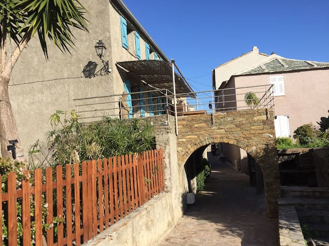 Maison traditionnelle Corse Pietranera vue mer - San-Martino-di-Lota - Ev