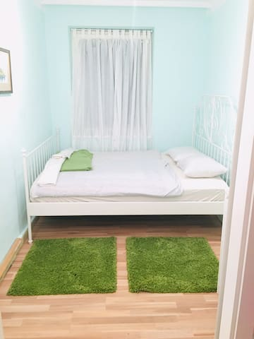Nice room near City Centar and Belvedere ,perfect