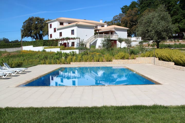 "Country House ""Quinta Do Sobral"" - Figueiró dos Vinhos - Bed & Breakfast"