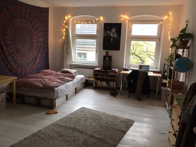 Big Room in Queer and cosy flat in Kreuzberg