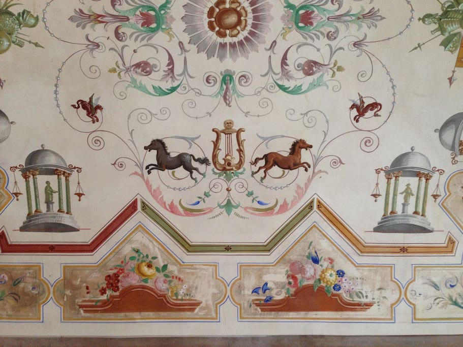 Soffitti decorati con grottesche del 1800