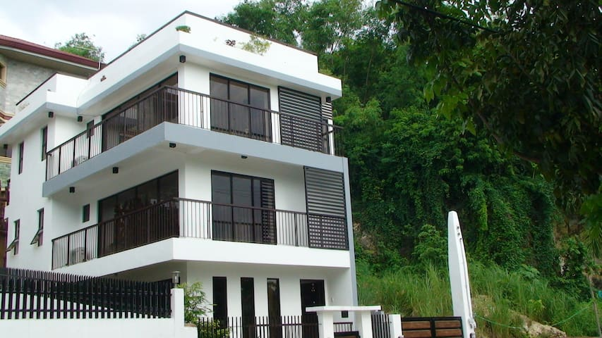 3 bedrooms on the 2nd flr for rent - Consolacion - Hus