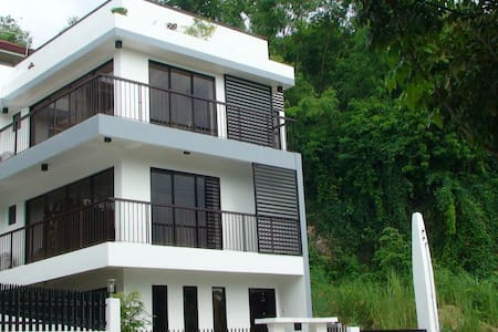 3 bedrooms on the 2nd flr for rent - Consolacion