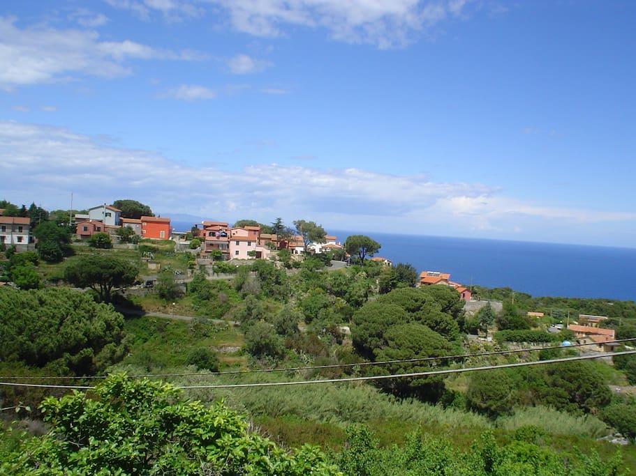 La Zanca: tranquillo borgo circondato dal mare a un km dalla bella spiaggia di Sant'Andrea