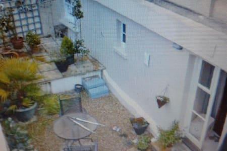 Comfortable apartment close to sea. - Weston-super-Mare - Lägenhet