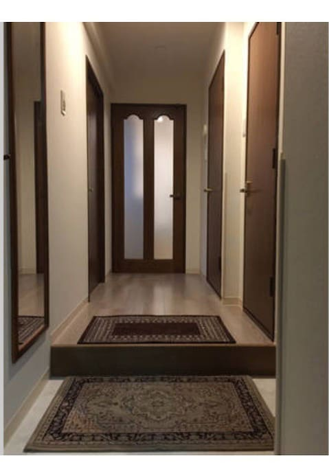 Entrance Hallway 入口走廊