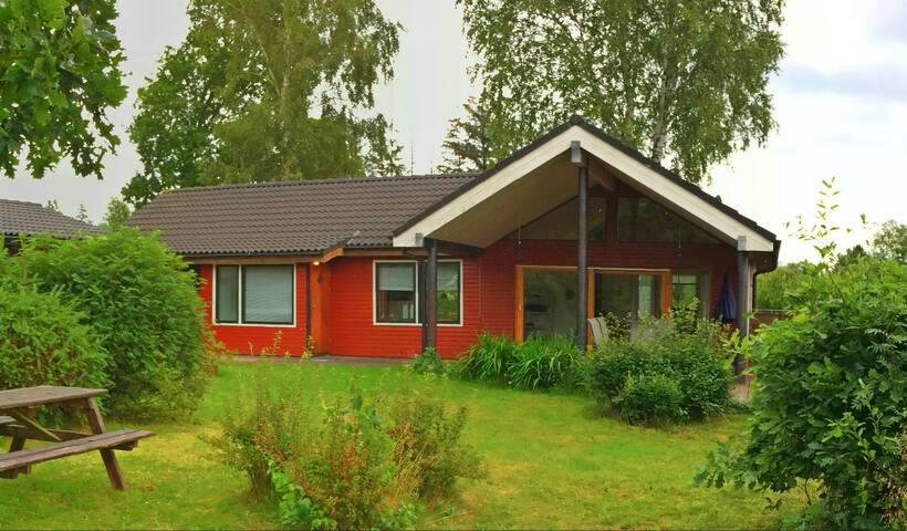 Sommerhus i hyggelige omgivelser - Hals
