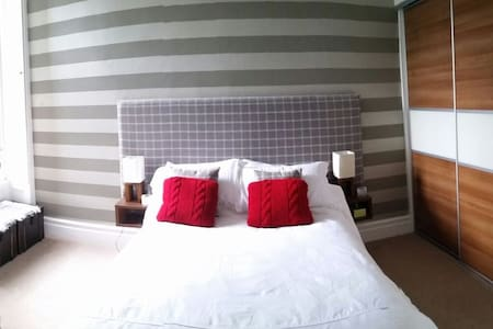 Double En-Suite in Stockbridge - Edinburgh