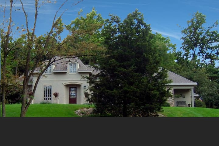 FRENCH COUNTRY HOME IN CENTRAL PA 2 - Mechanicsburg - Bed & Breakfast