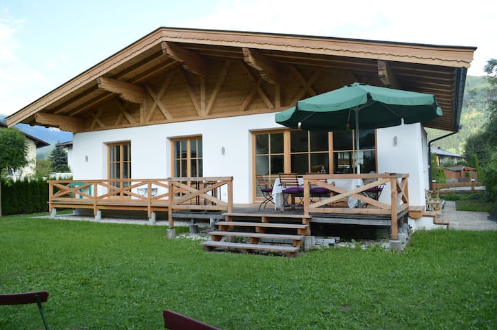 Cosy familyhome with mountain view  - Zell am See - บ้าน