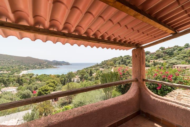 Casa al mare con vista mozzafiato - Torre Delle Stelle (Maracalagonis) - 一軒家