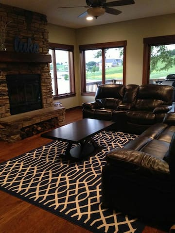 Beautiful Lake Home - Lamoni - Appartement