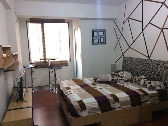 Emerald Studio Apartment