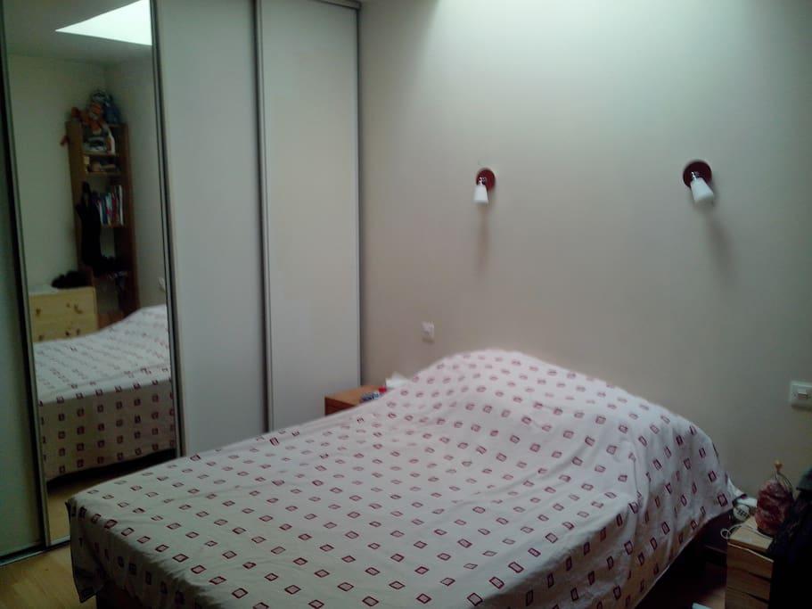 chambre dans appartement appartements louer montpellier languedoc roussillon france. Black Bedroom Furniture Sets. Home Design Ideas