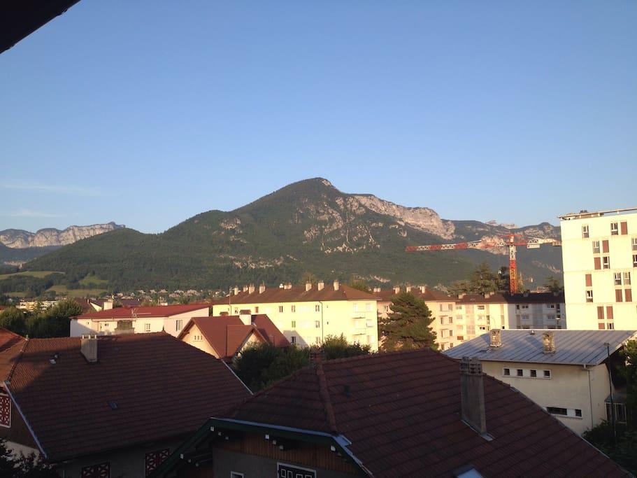 La vue sur le Mont Veyrier depuis le balcon...