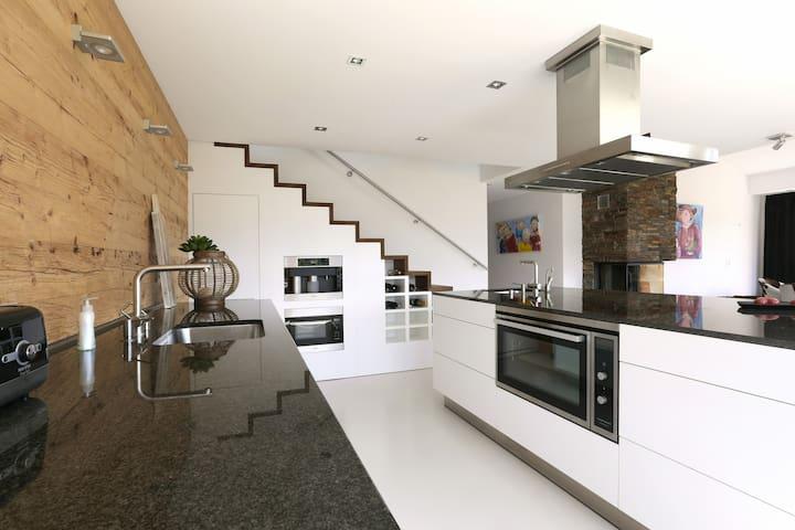 Brand New 4 BR Design Apartment. - Flims - Leilighet