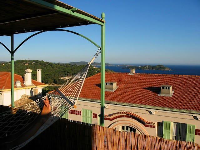 Appartement à Giens vu îles d'or - Hyères