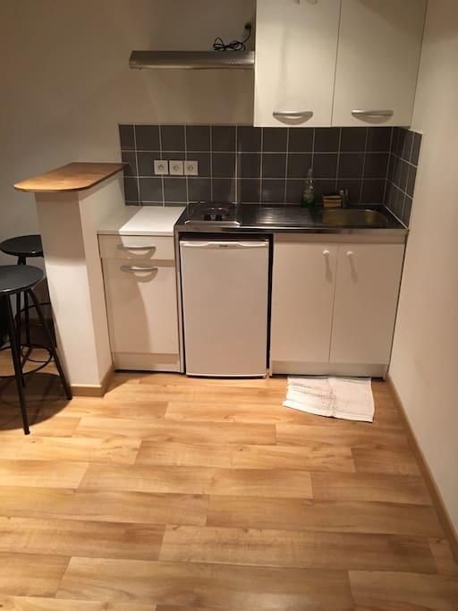 Appt t2 meubl 35m2 chambre et salle de bain for Location t2 meuble lille